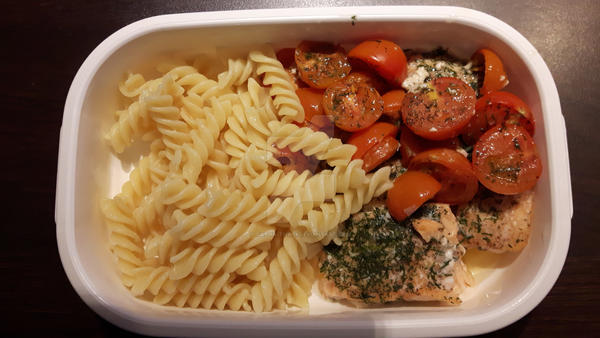 Roast Salmon, tomatoes and fusilli by Dacha-thwei