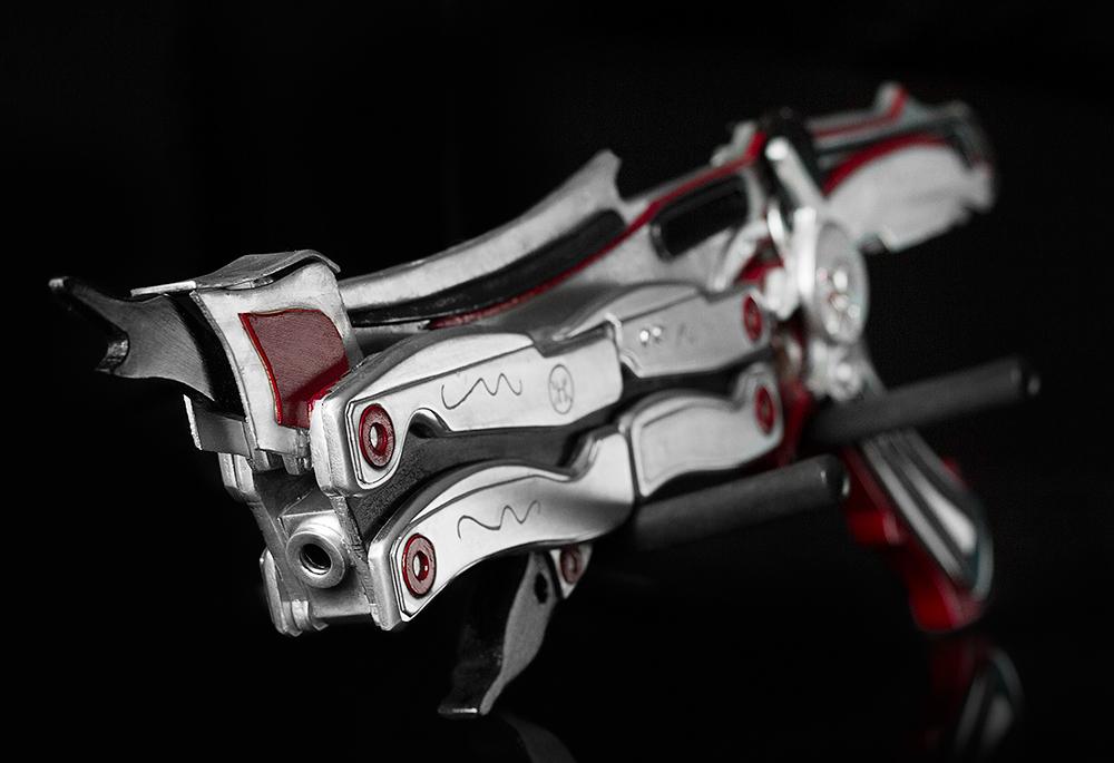 Lightning FFXIII gunblade by xwickedgames