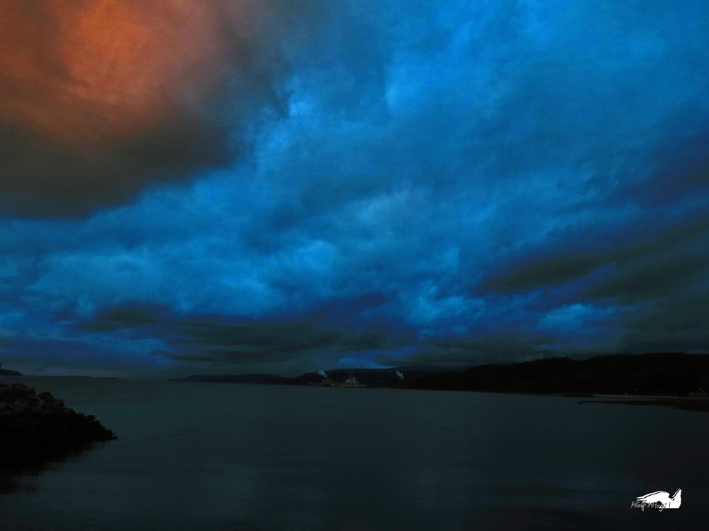 The Darkening Sky by wolfwings1