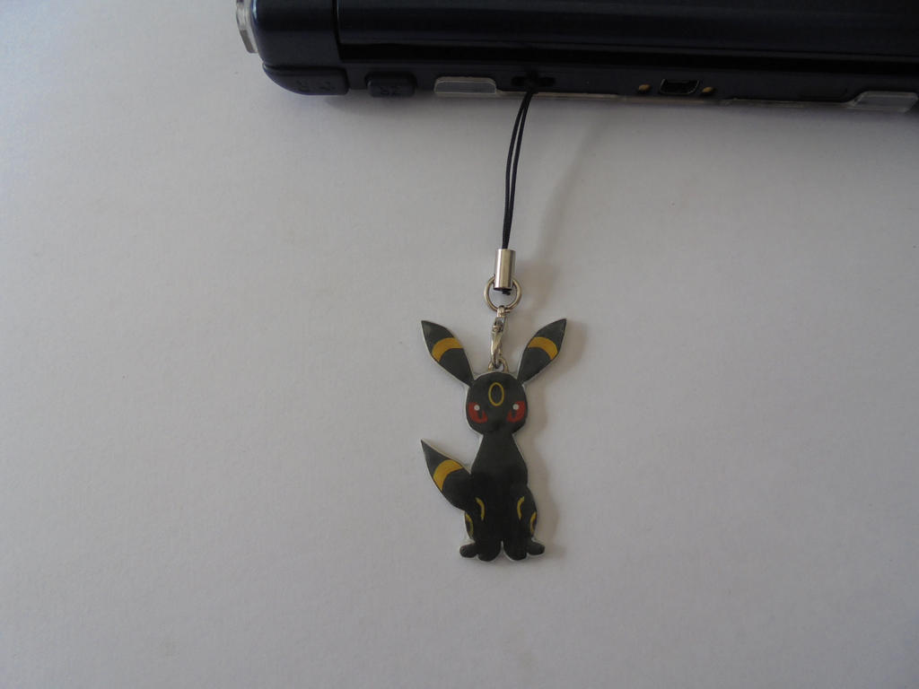 Pokemon Umbreon Mobile Charm - Nintendo DS Charm by Vavercraft