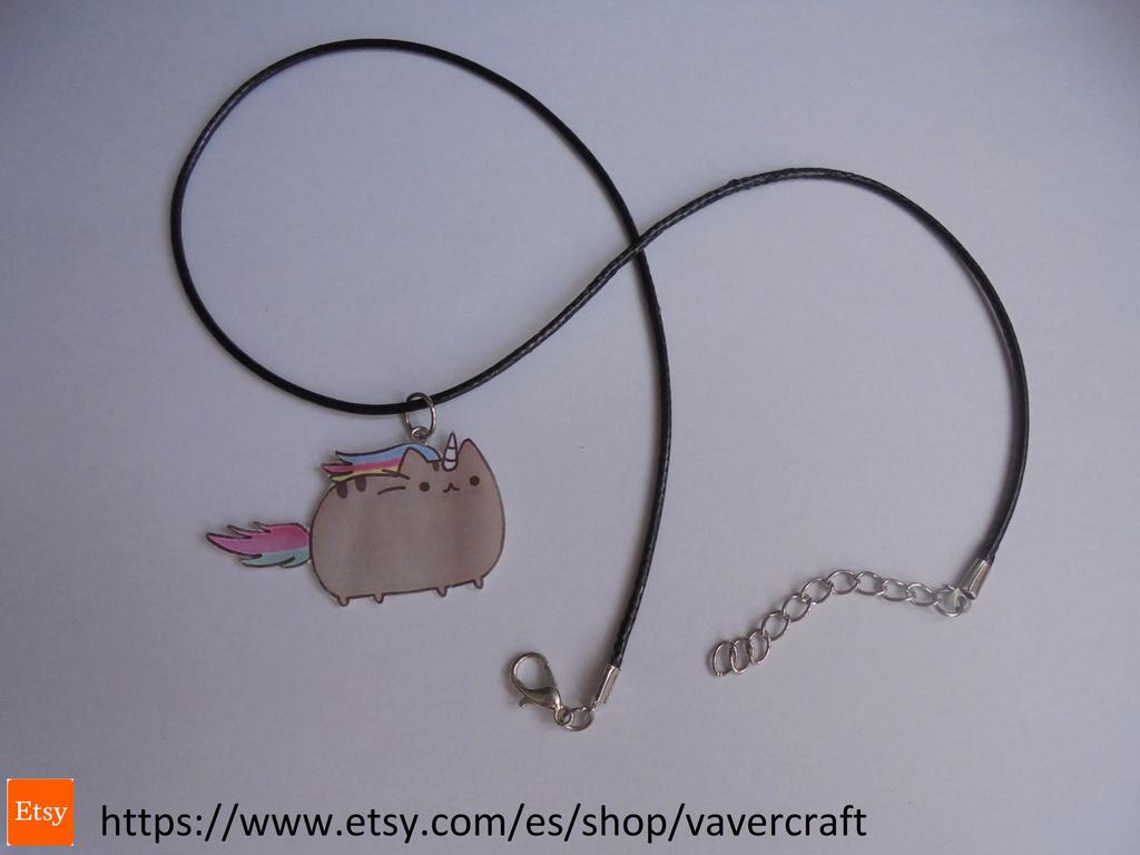 Pusheen cat black necklace by Vavercraft