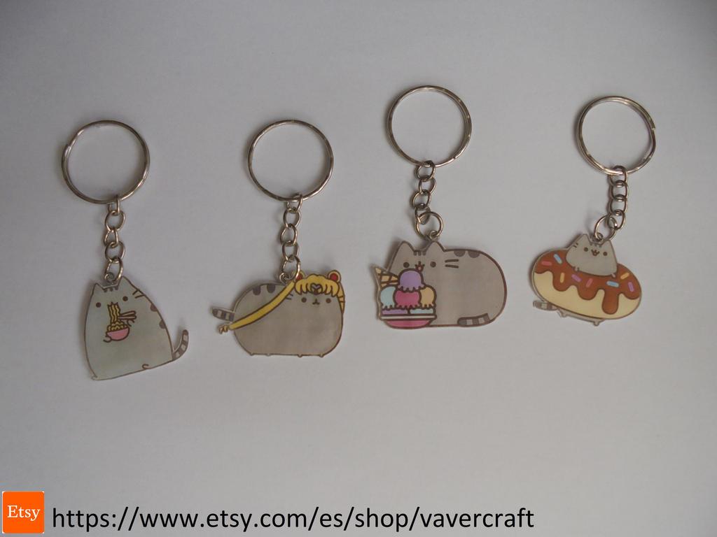 Pusheen cat keychain by Vavercraft