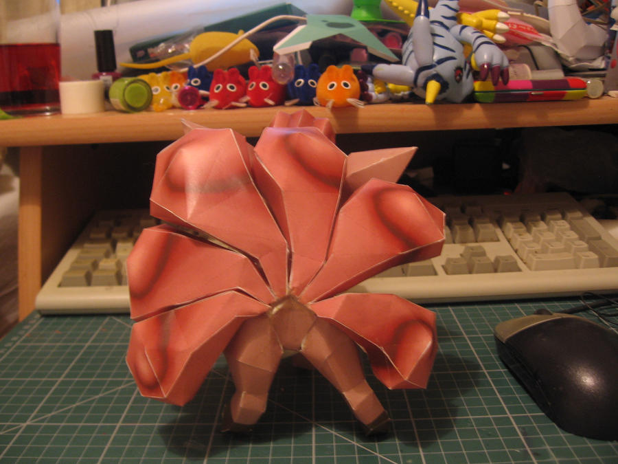 Vulpix papercraft- Back-Tails by sazmullium