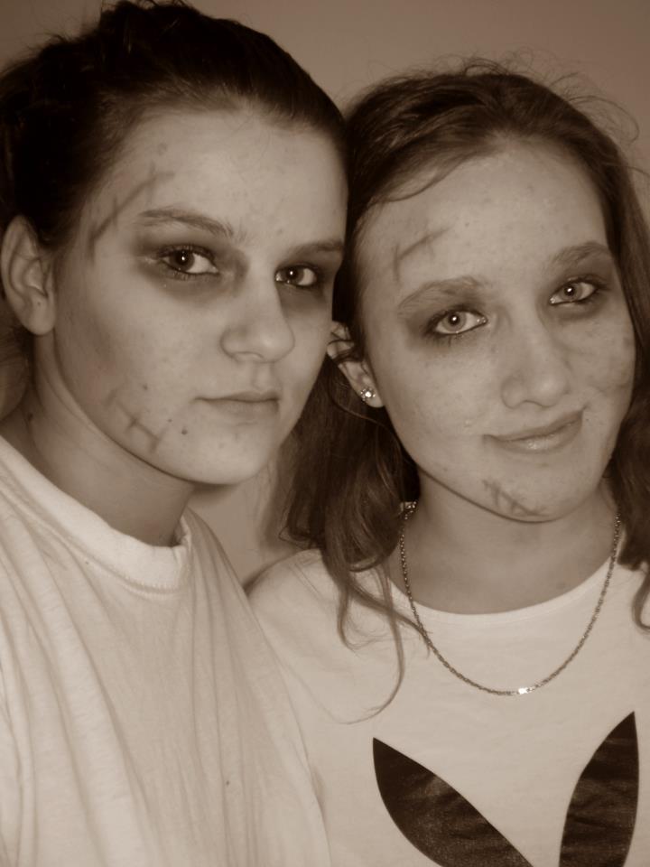 Zombie Girls by StellaBigi