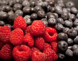 Merry berry IV by Bozack