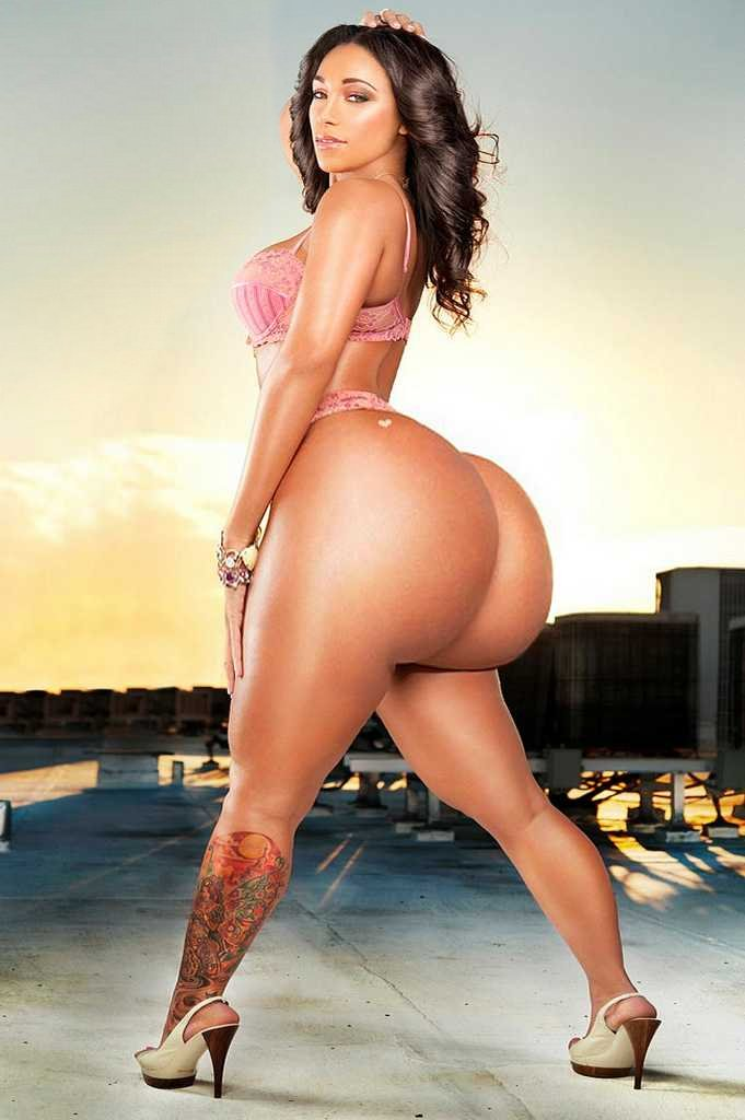 Huge Booty Morph - Hot Girls Wallpaper