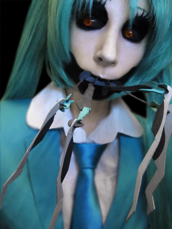 Souvent Cosplay: Hatsune Miku (Calne Ca) by MyFuckingGod on DeviantArt IY12
