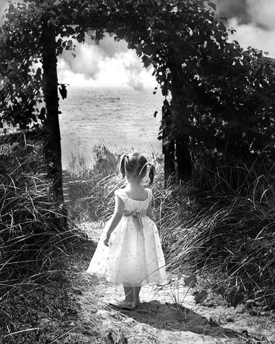 On The Edge by juslisten666 - [LoneLy _day ] bunLarda benden