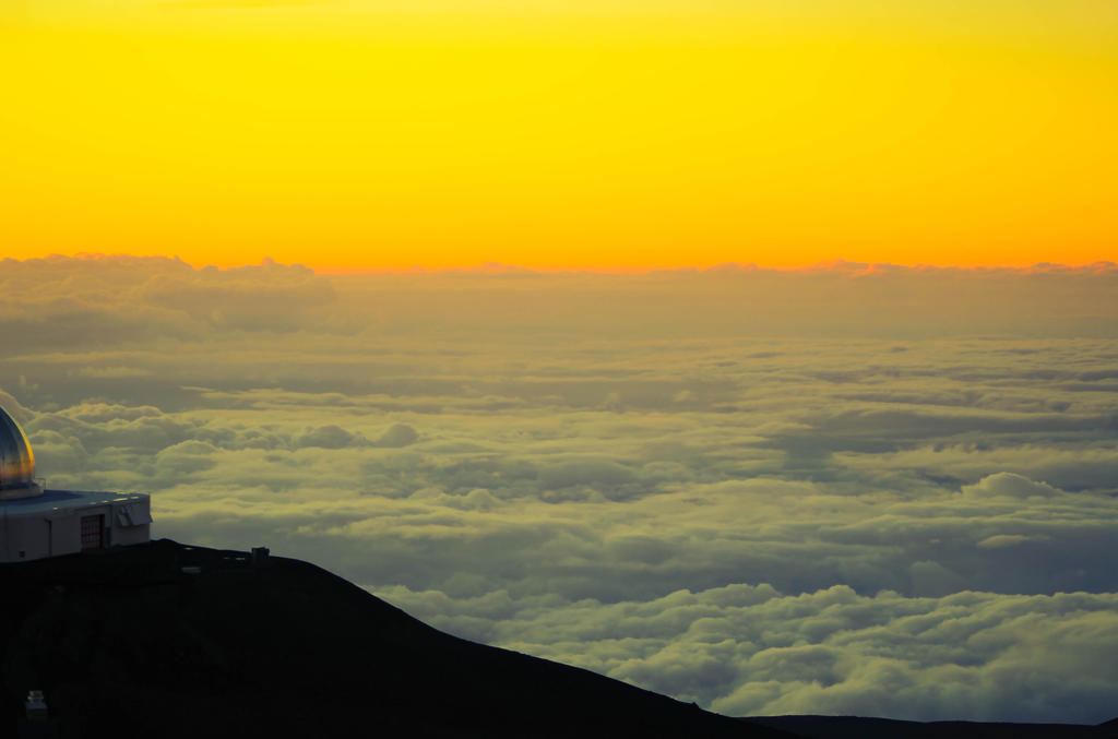 Sunset at Observatory in Mauna Kea Hawai'i by NohemyAnn