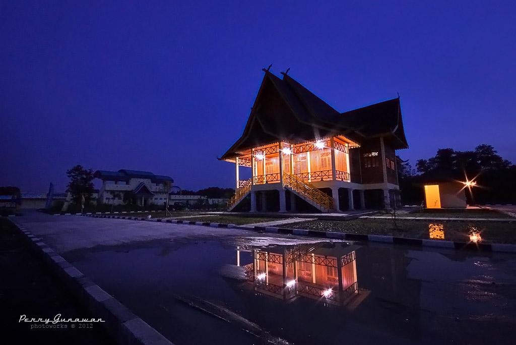 Rumah Adat Riau 1 by perigunawan
