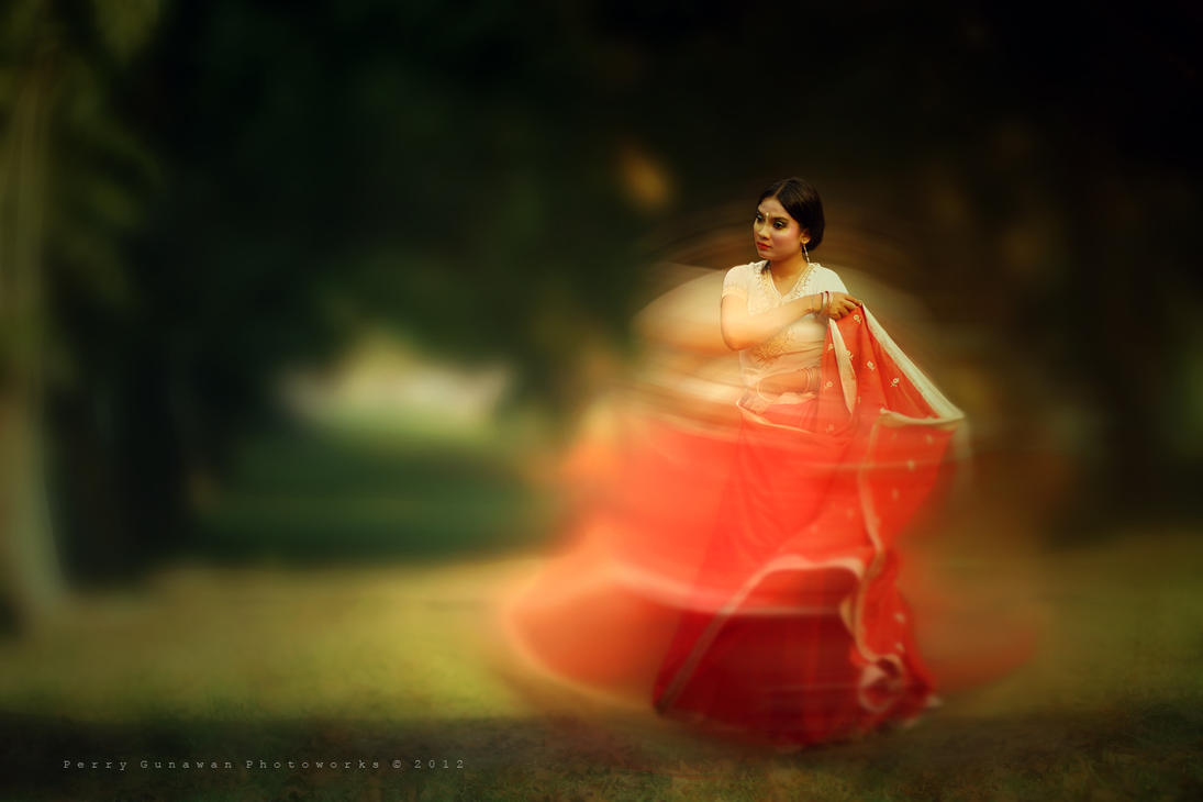 Indian Dancer by perigunawan