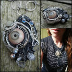 Wire wrapped eye