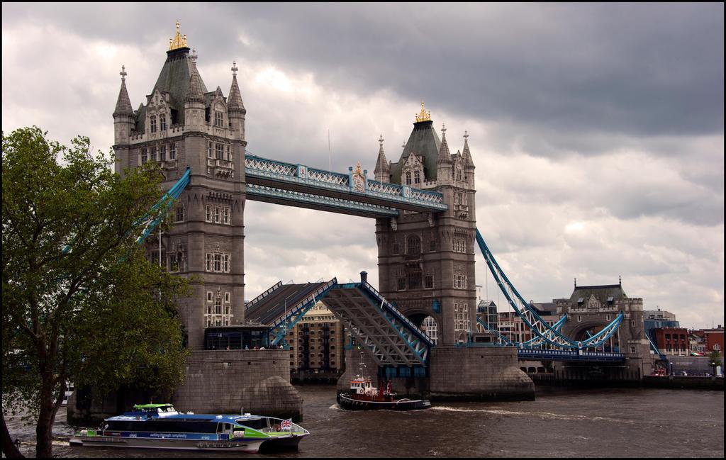 the raising of the bridge