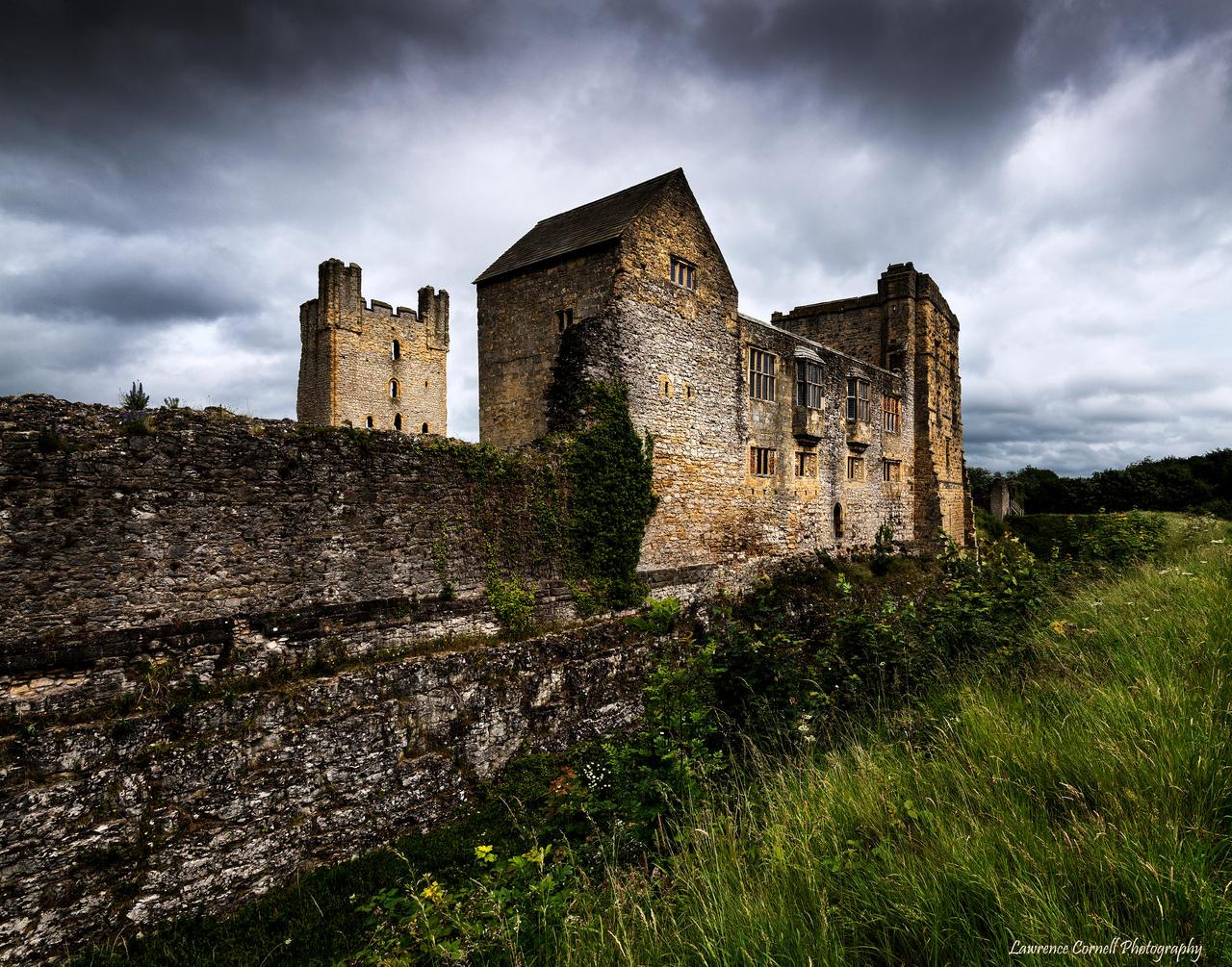 Another Fairfax ruin. by LordLJCornellPhotos