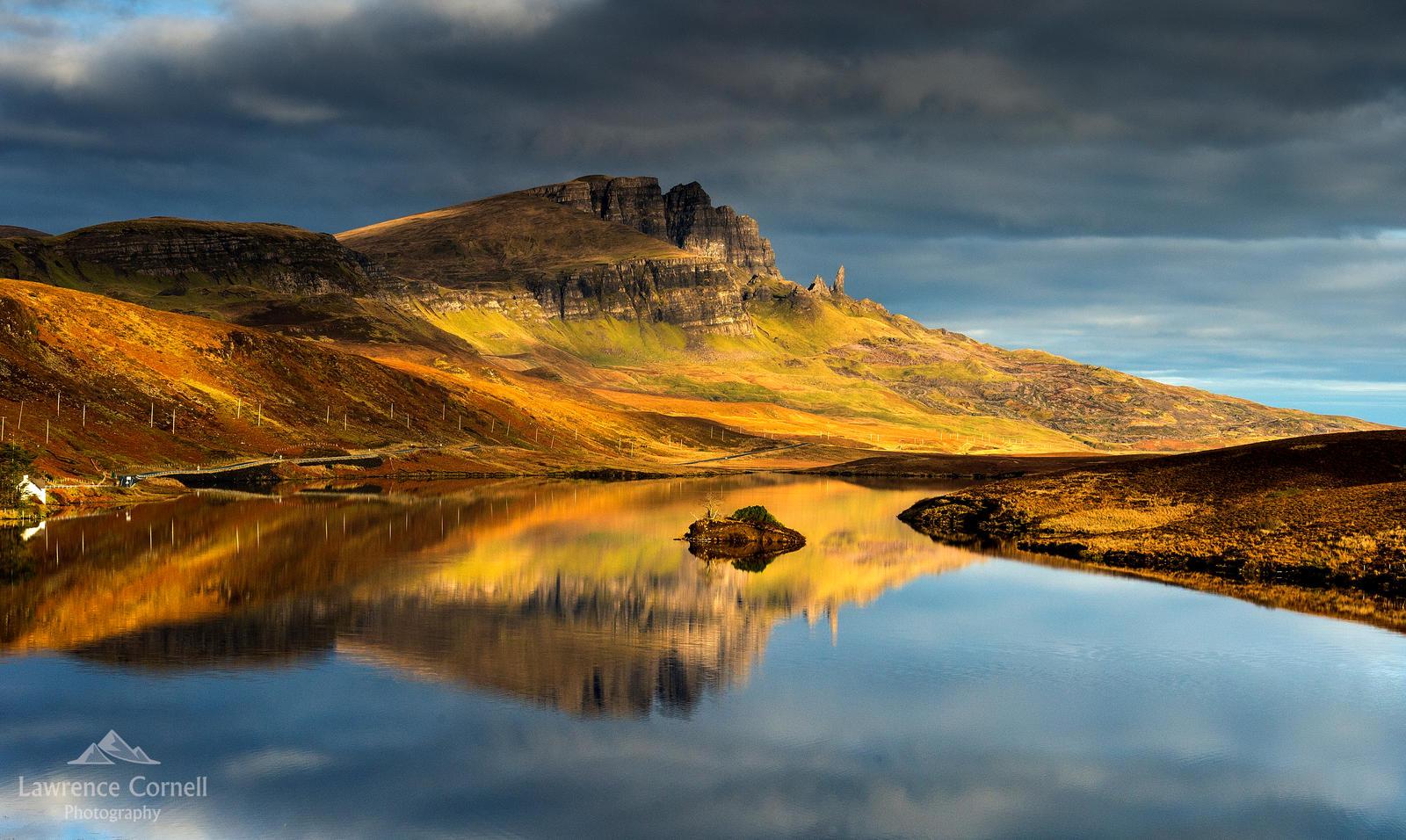 Golden dawn. by LawrenceCornellPhoto