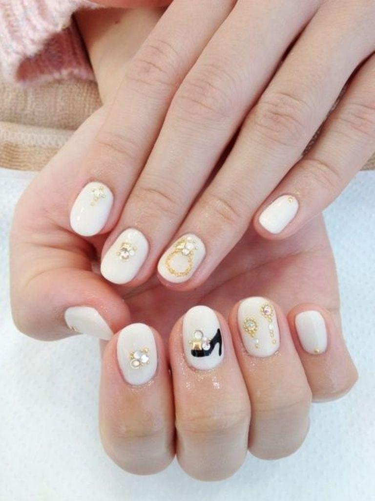 accessories nail art by Madhurupa