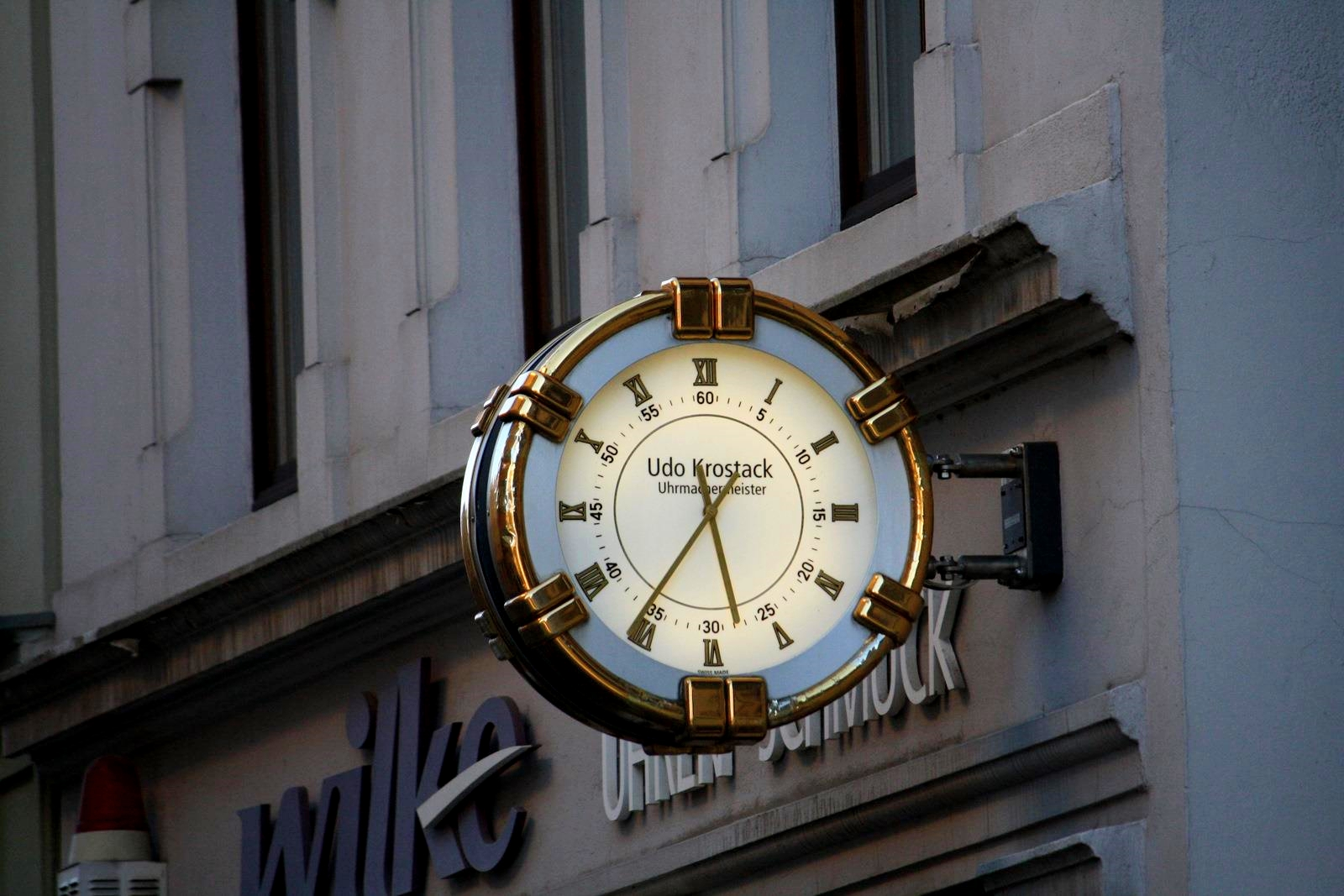 Clock in town by LoveForDetails