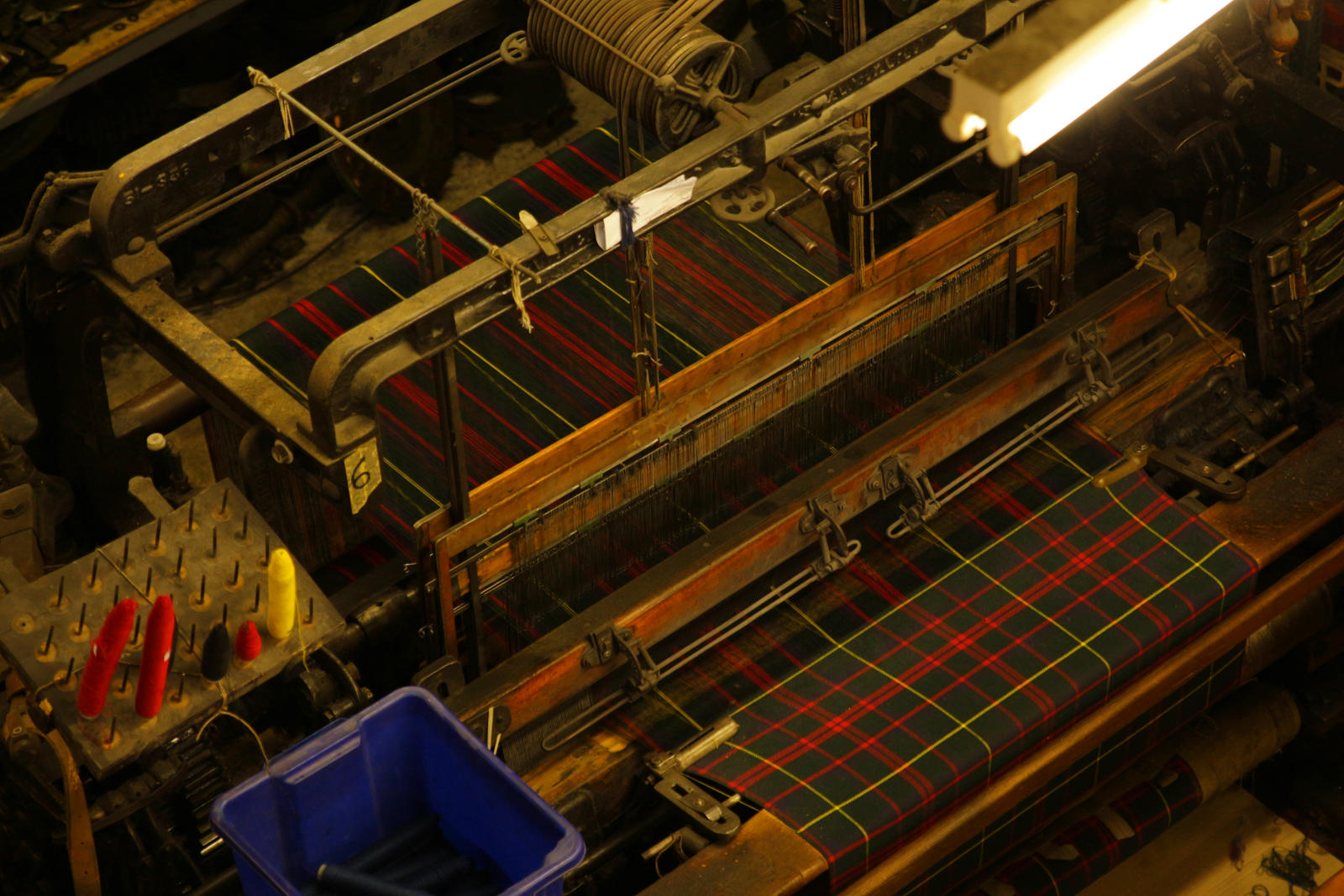 manufacturing of scottish tartan by LoveForDetails