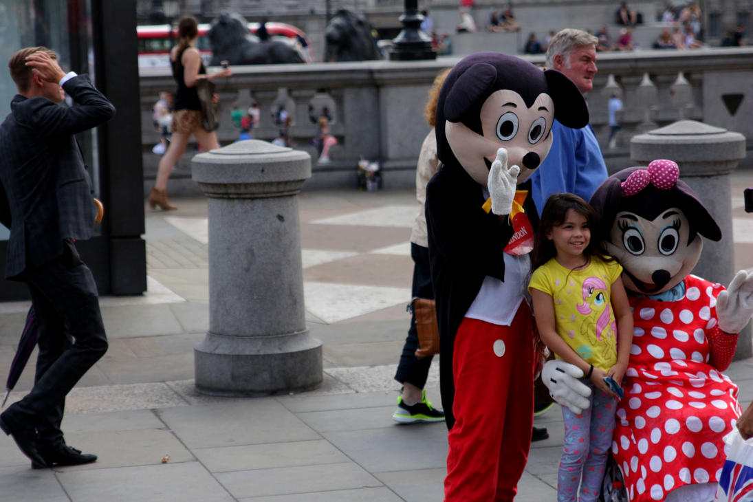 London: Micky and Mini Mouse by LoveForDetails
