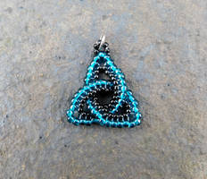 Beaded Celtic Knot Pendant by FeynaSkydancer