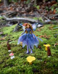 Fairy in a Fairyring 2 by FeynaSkydancer