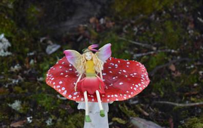 One big mushroom 2 by FeynaSkydancer
