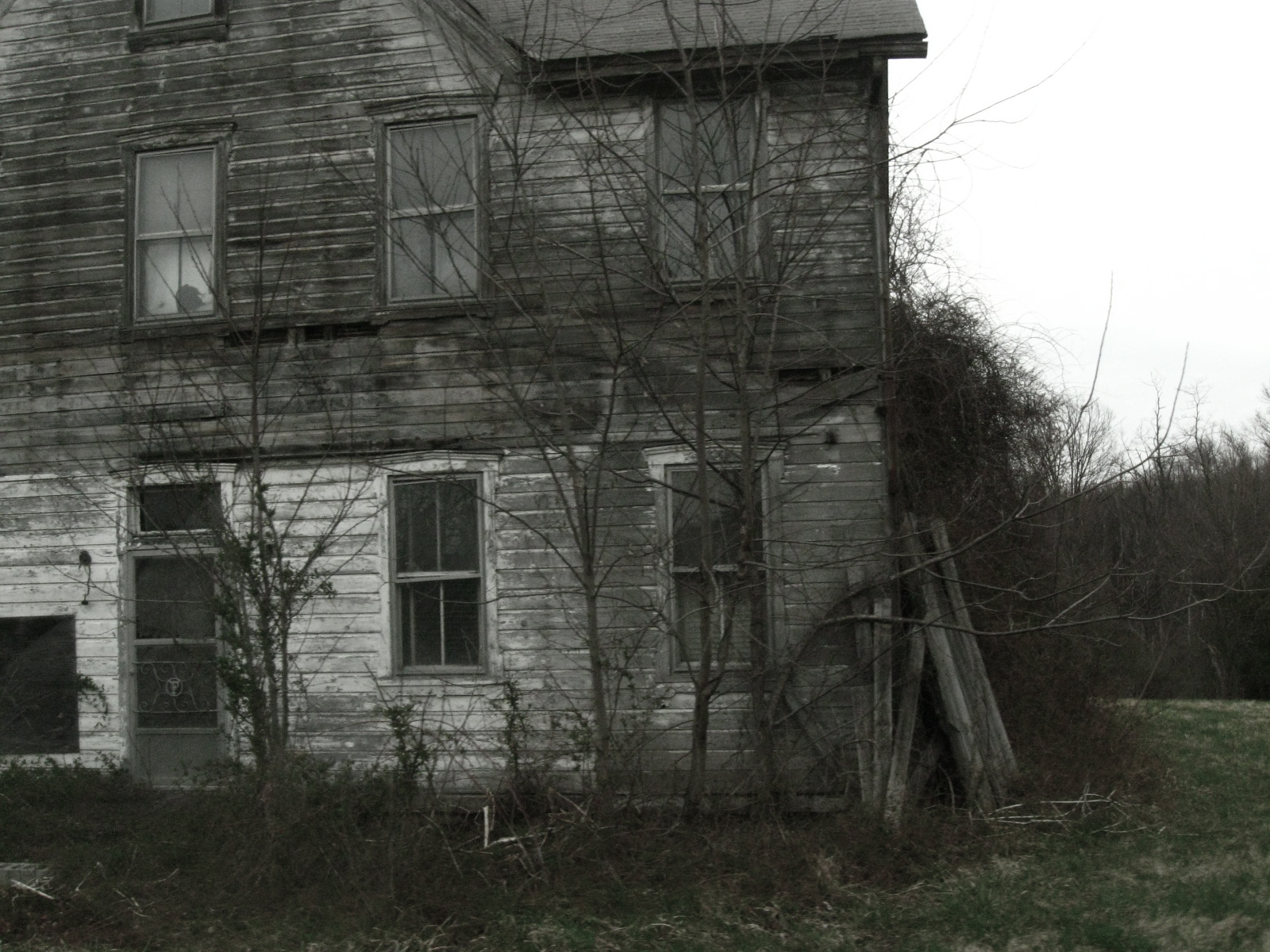 Creepy old house by prettypunkae on deviantart for House photography