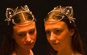 Gwaloth's festive headdress by Celefindel