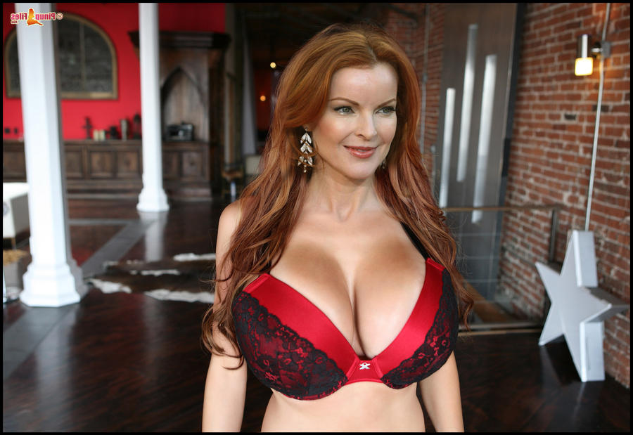 naked-nude-photos-of-marcia-cross-grim-adventures