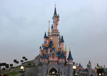 Disneylnd Paris Castle by NDC880117