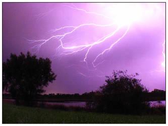 Lightning by GoOdz