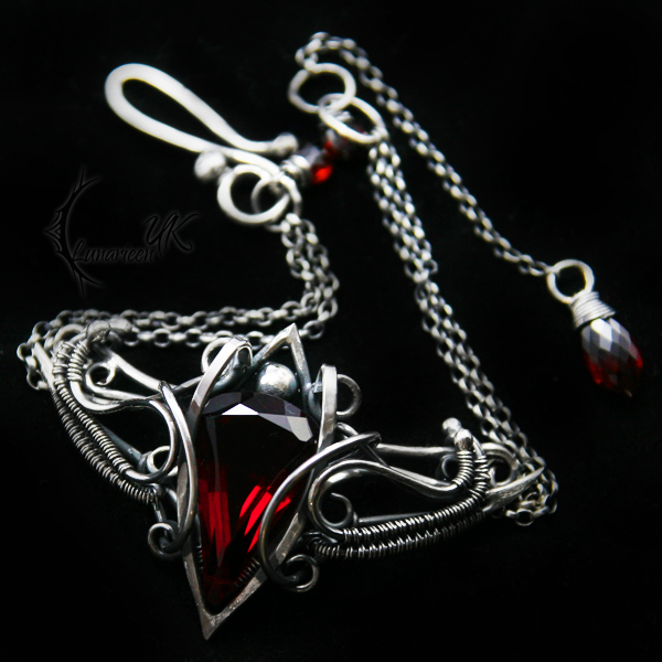 NANTIRIAEL - silver , red quartz and garnet by LUNARIEEN