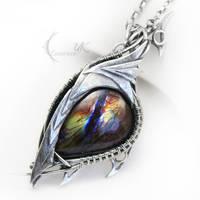 ULZEPTORH DRAHARIS ( dragon's eye ) by LUNARIEEN