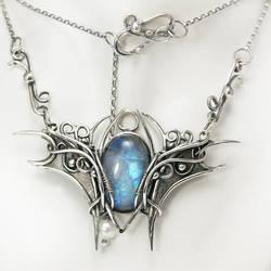 QTUVINRIEEL  - silver, moonstone , pearl by LUNARIEEN