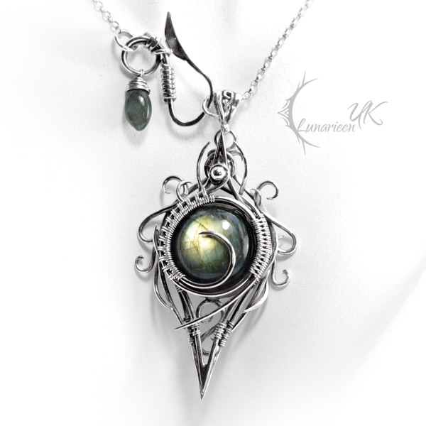 XIGHNAR - silver and labradorite. by LUNARIEEN