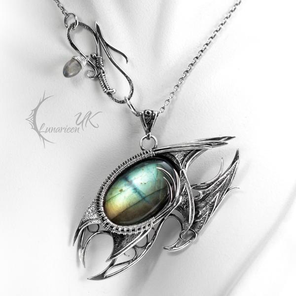 NEVITHNAR DRACO  - silver and labradorite by LUNARIEEN