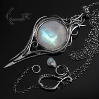 INZANRDIELL - silver and moonstone