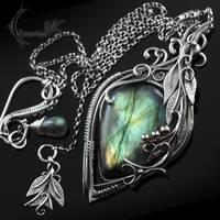 ATRDHYLL - silver and labradorite