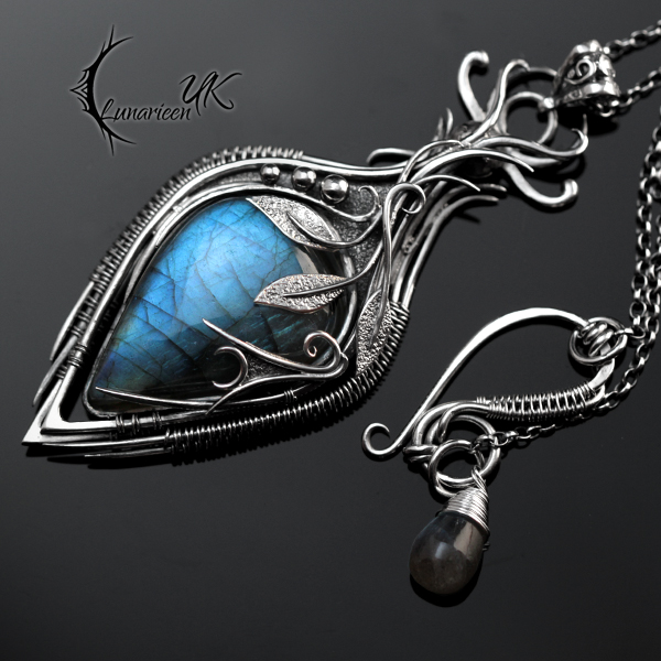 NYDNIRL YZDNIS - silver and labradorite by LUNARIEEN