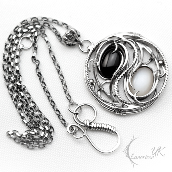 ZANTARIAL (YIN YANG) - Silver, Moonstone, Onyx by LUNARIEEN