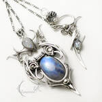 UNTHRIEEL silver , moonstone and topaz