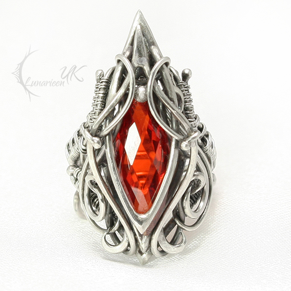 NANNAXARTH Silver and Zirconia (ring) by LUNARIEEN