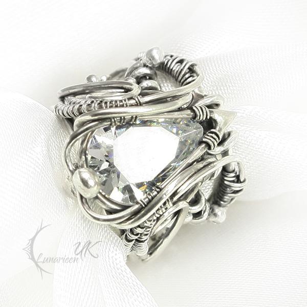 SAHXTARIEELH Silver and Zirconia by LUNARIEEN