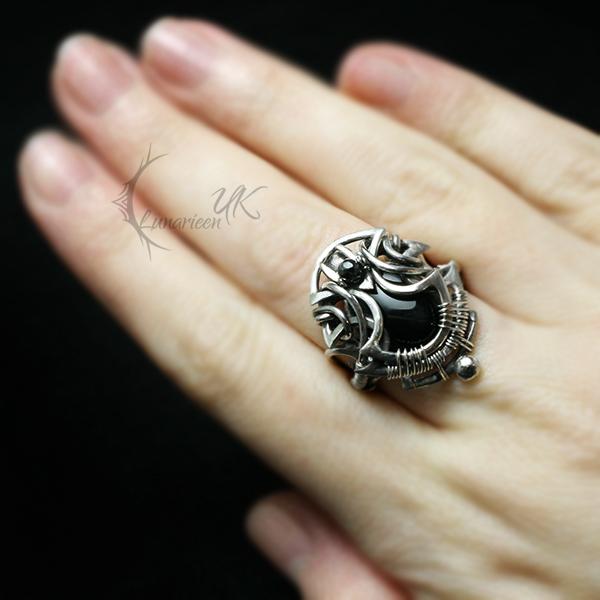 UNTYAREELX Silver, black onyx , pyrite by LUNARIEEN