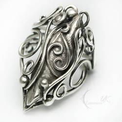 Zodiac Cancer Ring by LUNARIEEN