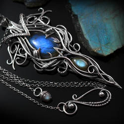 Necklace ELVINHERN - Silver and Labradorite by LUNARIEEN