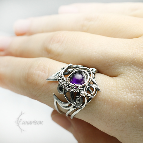 AVERTILTH Silver and Amethyst by LUNARIEEN