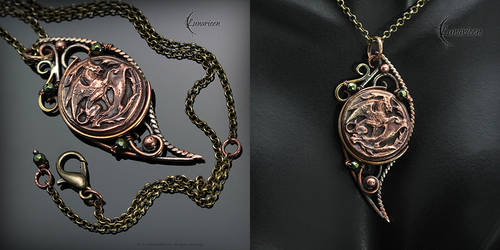 MYTRIHNIL - Antiqe style necklace by LUNARIEEN