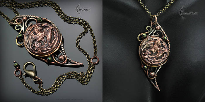 MYTRIHNIL - Antiqe style necklace