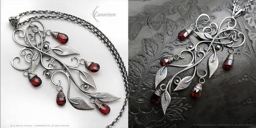 VEZRILN TYERR - floral, elvish style pendant